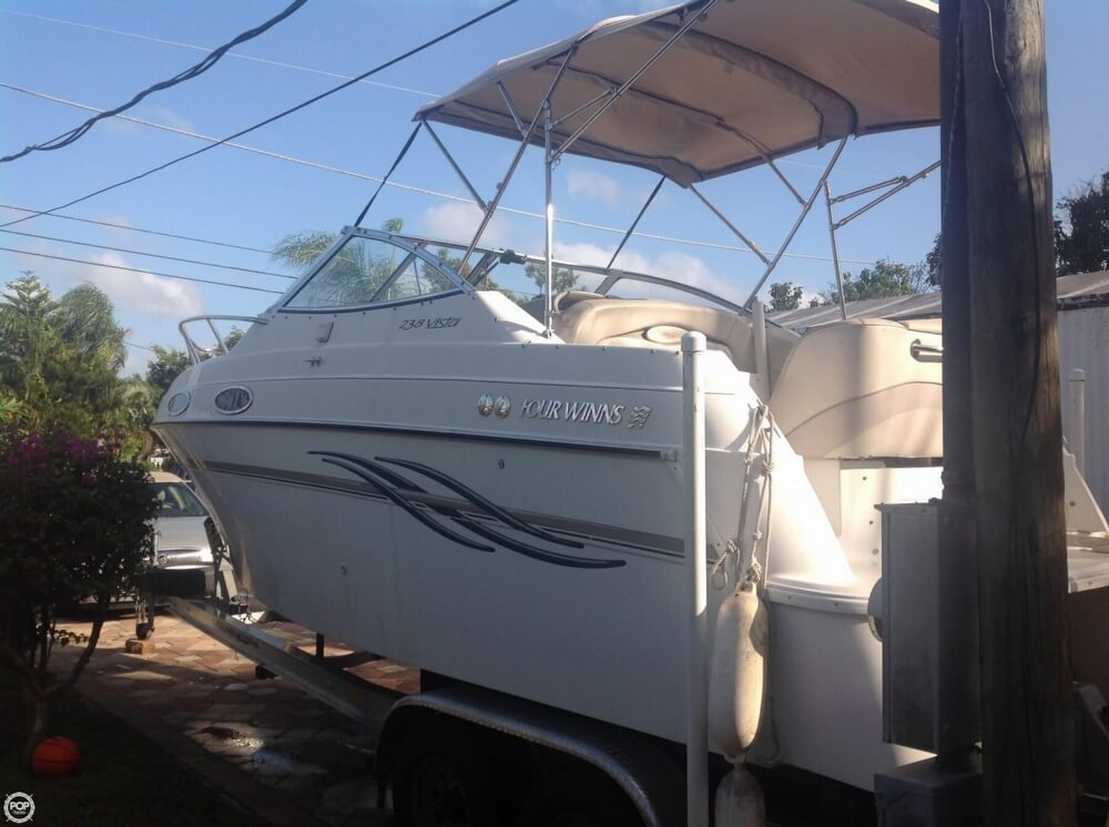 Four Winns 238 Vista 1999 Four Winns 238 Vista for sale in Bonita Springs, FL