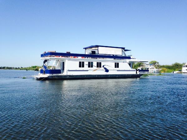 Fantasy Houseboat Atlantis