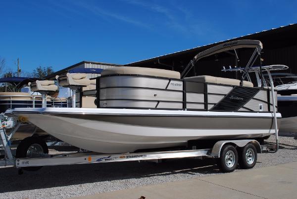 Hurricane FunDeck 236F OB Deck Boat Hurricane FunDeck 236F OB Deck Boat