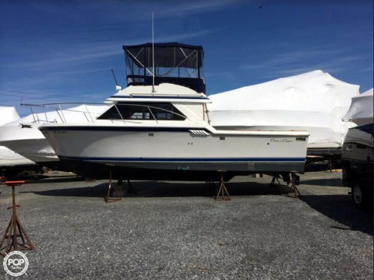 Chris-Craft Commander 315 1990 Chris-Craft 31 for sale in Seaford, NY