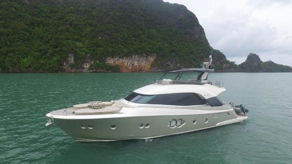 Monte Carlo Yachts 70 Monte Carlo Yachts 70
