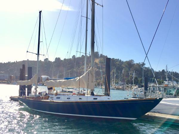 Hinckley Bermuda 40 Custom