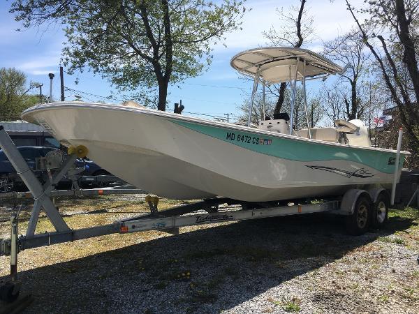 Carolina Skiff 258 DLV Starboard Bow