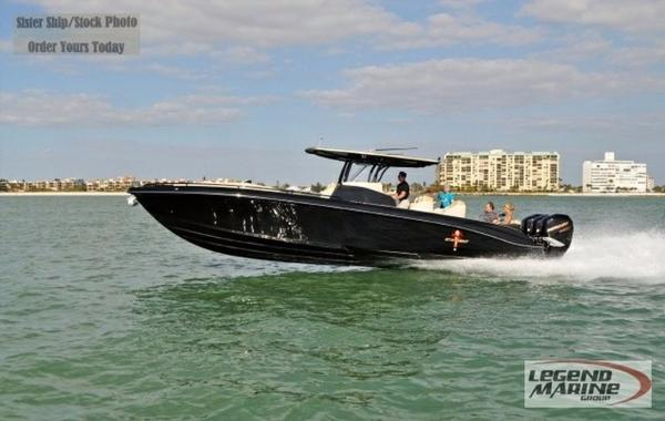 STATEMENT MARINE 380 SUV Cuddy
