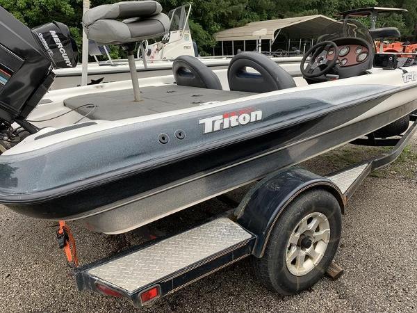 Triton Tr-19