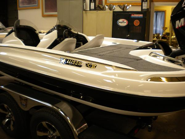 Allison Boats XB21 BASSPORT PRO ELITE