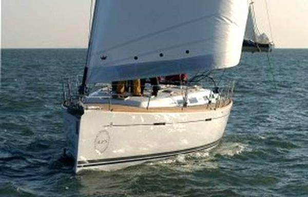 Dufour Yacht 425 Grand Large Image 1