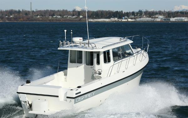 Osprey Pilothouse 28 Long Cabin Stern quarter
