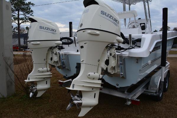 Twin Vee OceanCat 225 GF