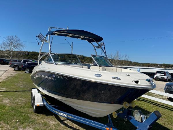 Sea Ray 230 SLZ