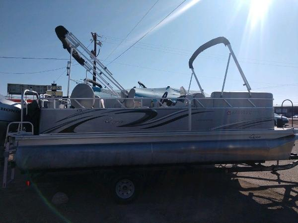 Apex Marine 820 XRE Cruise