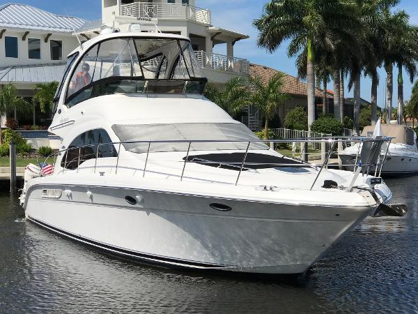 Sea Ray 52 Sedan Bridge Bow Profile II