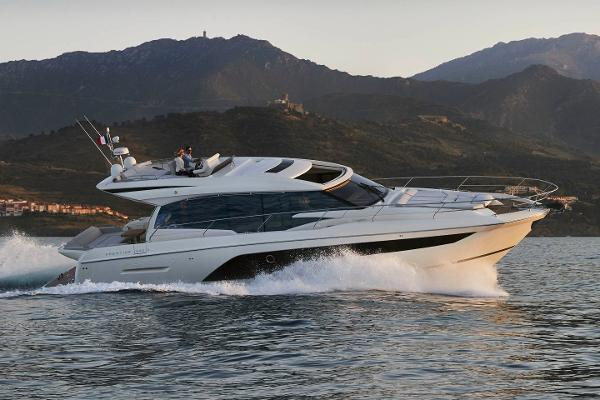 Prestige 590 S