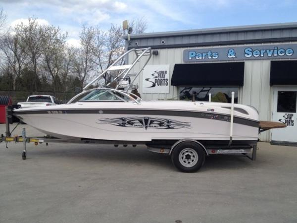 Nautique Sport SV211 Limited Open Bow