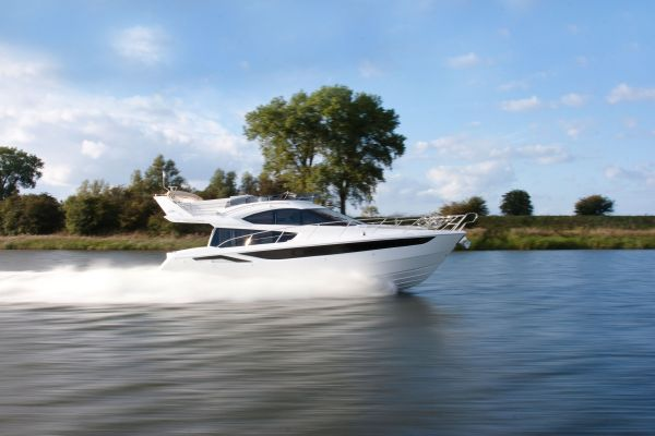 Galeon 420 Fly TOP OFFER! Galeon 420 Fly (2012) in Mallorca/Spanien
