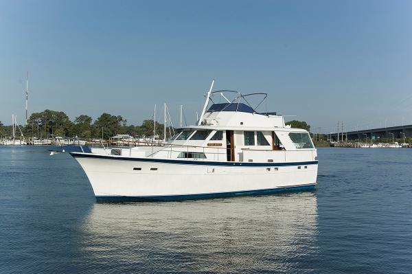 Hatteras 53 Motoryacht Profile Port