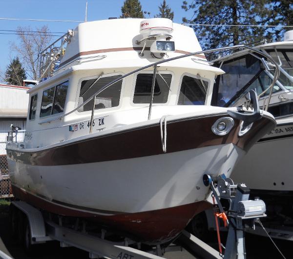 SeaSport Navigator 2700 Flybridge