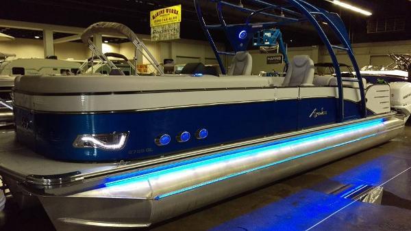 Avalon WINDJAMMER 27 TWIN ENGINE