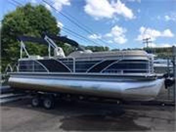 Aqua Patio 25 WB Bar Boat