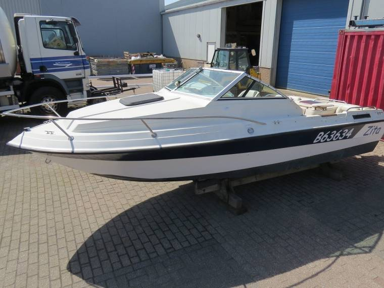 Winner Boats Winner 1950 Escape Cuddy Mercruiser V6 205pk