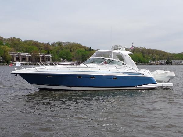 Formula 48 Yacht Exterior 1