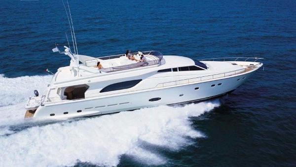 Ferretti Yachts 810