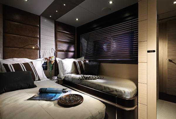 Sunseeker Predator 80 Guest Twin Cabin
