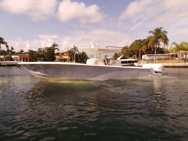 SeaVee 390Z