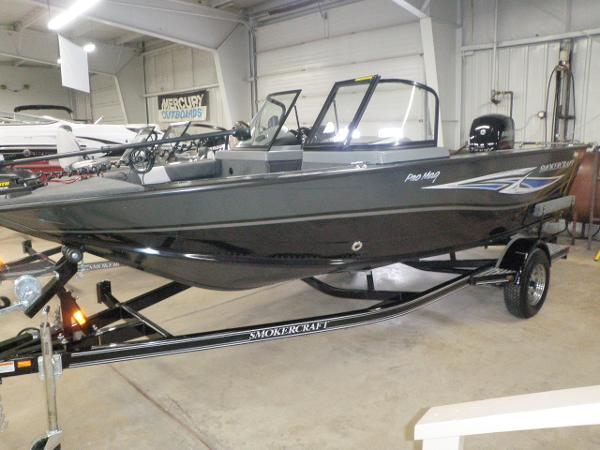 Smoker craft boats for sale for Smoker craft pro mag