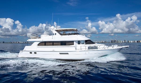 Hatteras Sportdeck Motor Yacht