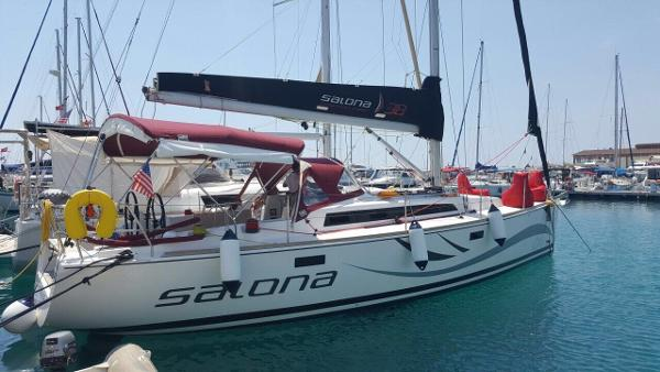 Salona 38 Main