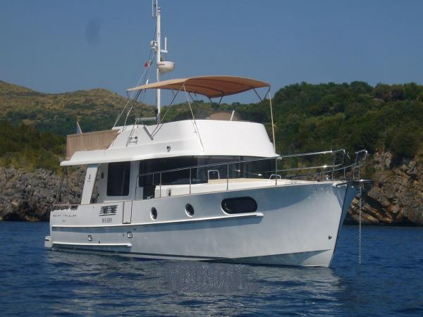 Beneteau. Swift Trawler 44 BENETEAU SWIFT TRAWLER 44