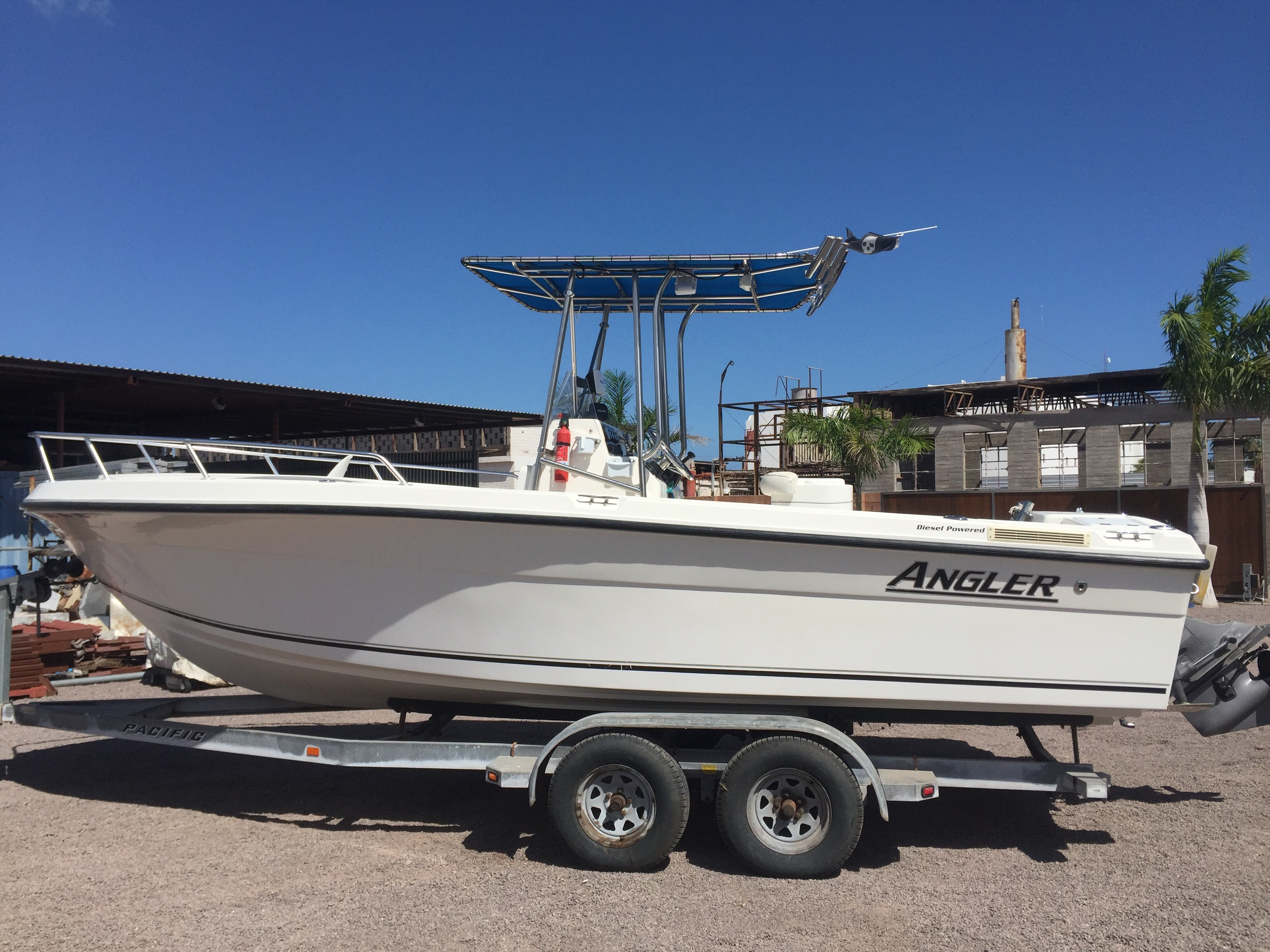 Angler 22 Center Console
