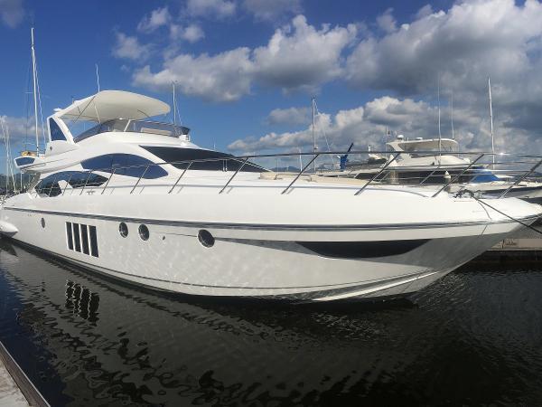 Azimut 64 Motor Yacht Azimut 64 - Profile