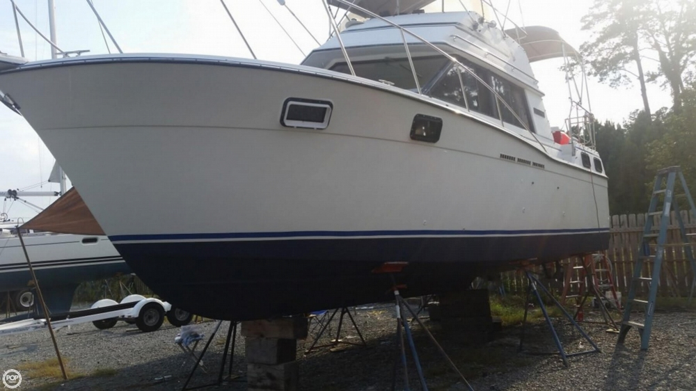Carver 32 Aft Cabin 1985 Carver 32 for sale in Deltaville, VA