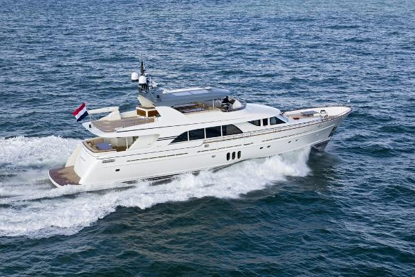 Mulder 98 Flybridge Manufacturer Provided Image
