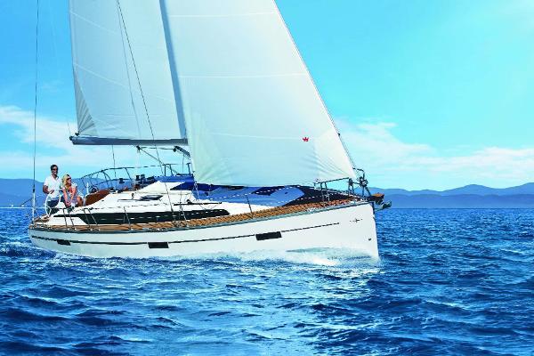 Bavaria Cruiser 37 Bavaria Cruiser 37