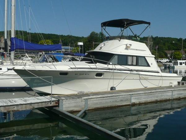 Silverton 34 Convertible Port profile