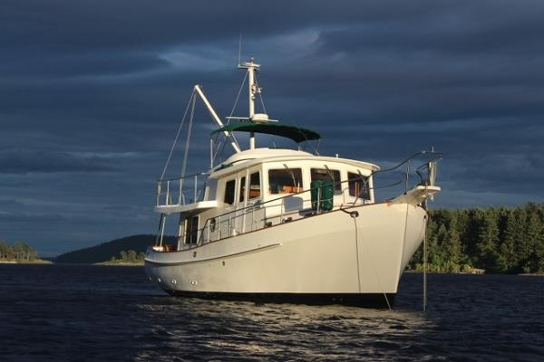 Kadey Krogen 39 Pilothouse At Anchor