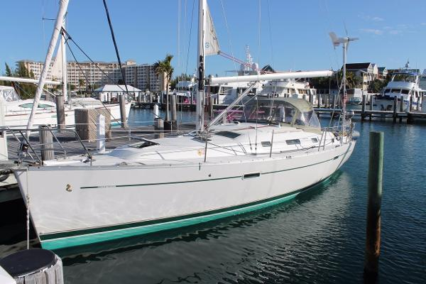 Beneteau 343 Topsides Port
