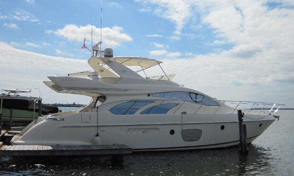 Azimut Evolution Fly Bridge