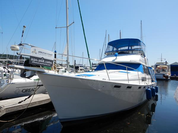 Bayliner 3888 Motoryacht  50' Slip is Available