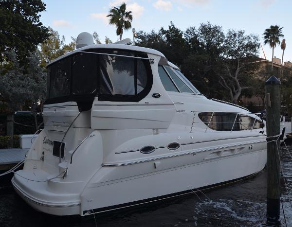 Sea Ray 390 Motor Yacht Sea Ray-390-Motor-Yacht