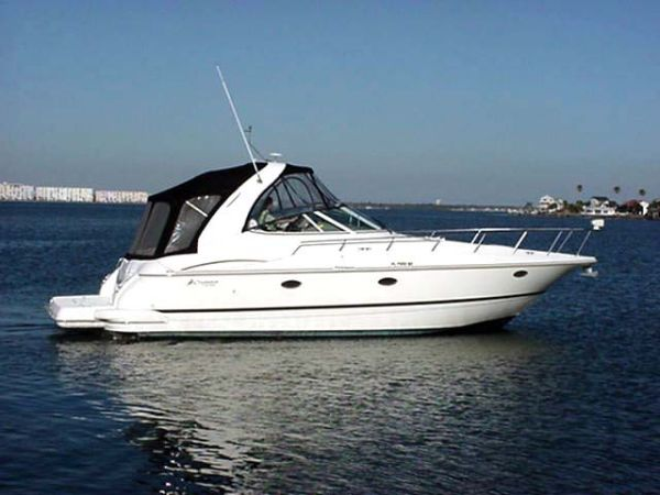 Cruisers Yachts 370 Express Photo 1