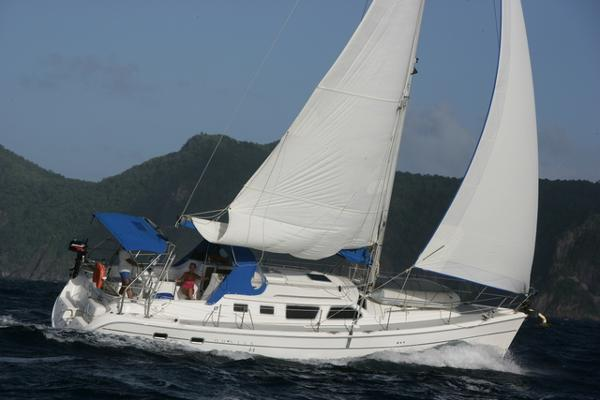Hunter 44 Deck Salon Imandja under sail