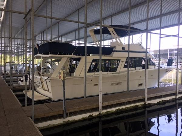 Bluewater Yachts 47