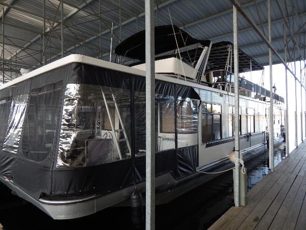 Sumerset Houseboats Houseboat 70' X 16'