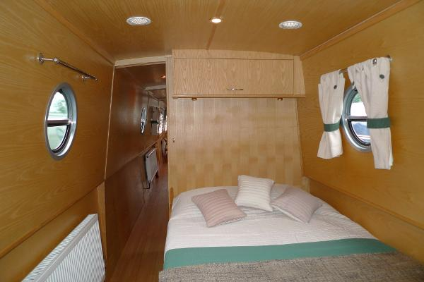 Master Cabin looking fore