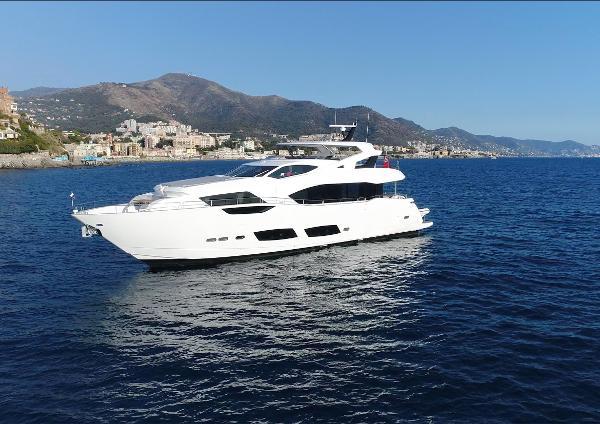 Sunseeker 95 Yacht Sunseeker 95 Yacht