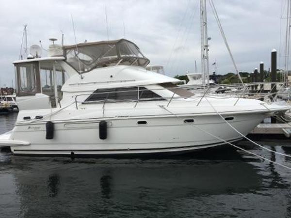 Cruisers Yachts 3750 Motoryacht